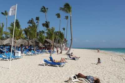 Strand von Punta Cana (Alexander Mirschel)  Copyright  License Information available under 'Proof of Image Sources'