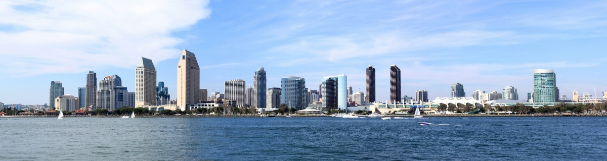 Panorama von Downtown San Diego Skyline (GKSD / stock.adobe.com)  lizenziertes Stockfoto  License Information available under 'Proof of Image Sources'