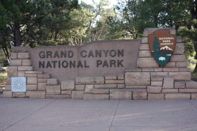 Grand Canyon Sign (Alexander Mirschel)  Copyright  License Information available under 'Proof of Image Sources'