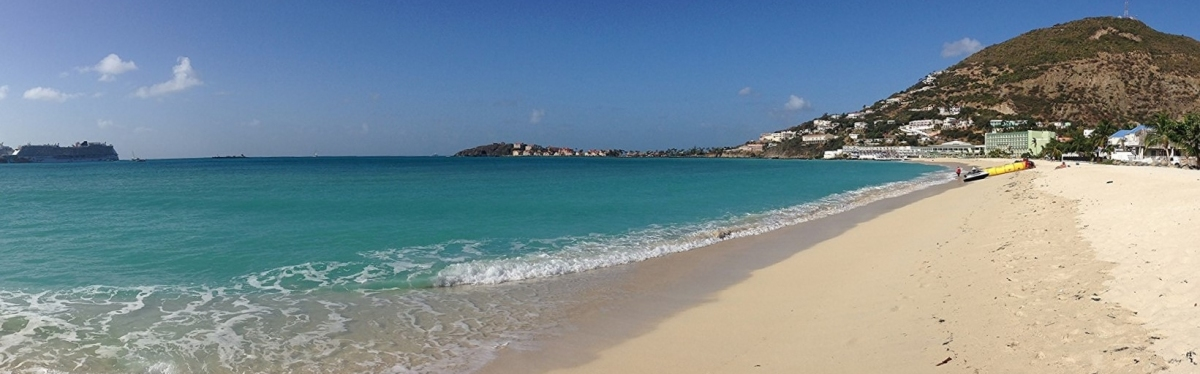 St Maarten Panorama Strand (Chad Sparkes)  [flickr.com]  CC BY  License Information available under 'Proof of Image Sources'