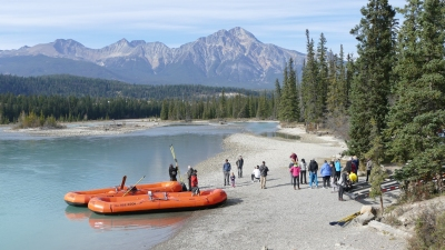 Rafting in Alberta (Alexander Mirschel)  Copyright  License Information available under 'Proof of Image Sources'