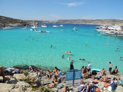 Blue Lagoon, Comino, Malta (Shepard4711)  [flickr.com]  CC BY-SA  License Information available under 'Proof of Image Sources'