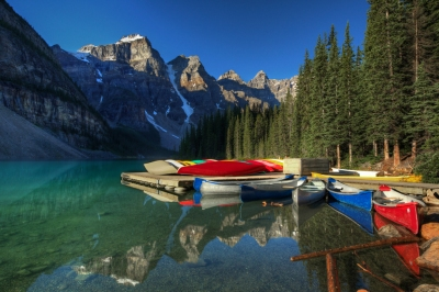 Canoes on Lake Moraine (edwademd)  [flickr.com]  CC BY  License Information available under 'Proof of Image Sources'