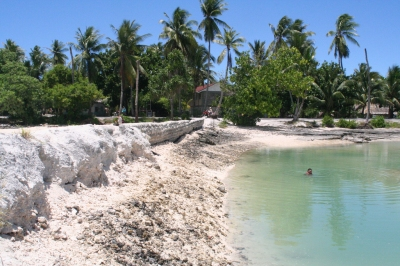 Kiribati 2009. Photo: Jodie Gatfield, AusAID (Department of Foreign Affairs and Trade)  [flickr.com]  CC BY  License Information available under 'Proof of Image Sources'