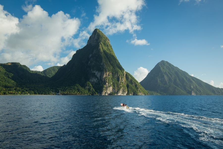 Best Time to Visit St. Lucia (Climate Chart and Table)