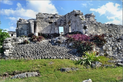 Tulum Ruins 8. Mayan Ruin.  Nikon D3100. DSC_0292. (Robert Pittman)  [flickr.com]  CC BY-ND  License Information available under 'Proof of Image Sources'