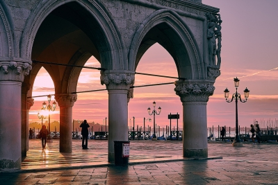 Venice Sunrise (Pedro Szekely)  [flickr.com]  CC BY-SA  License Information available under 'Proof of Image Sources'